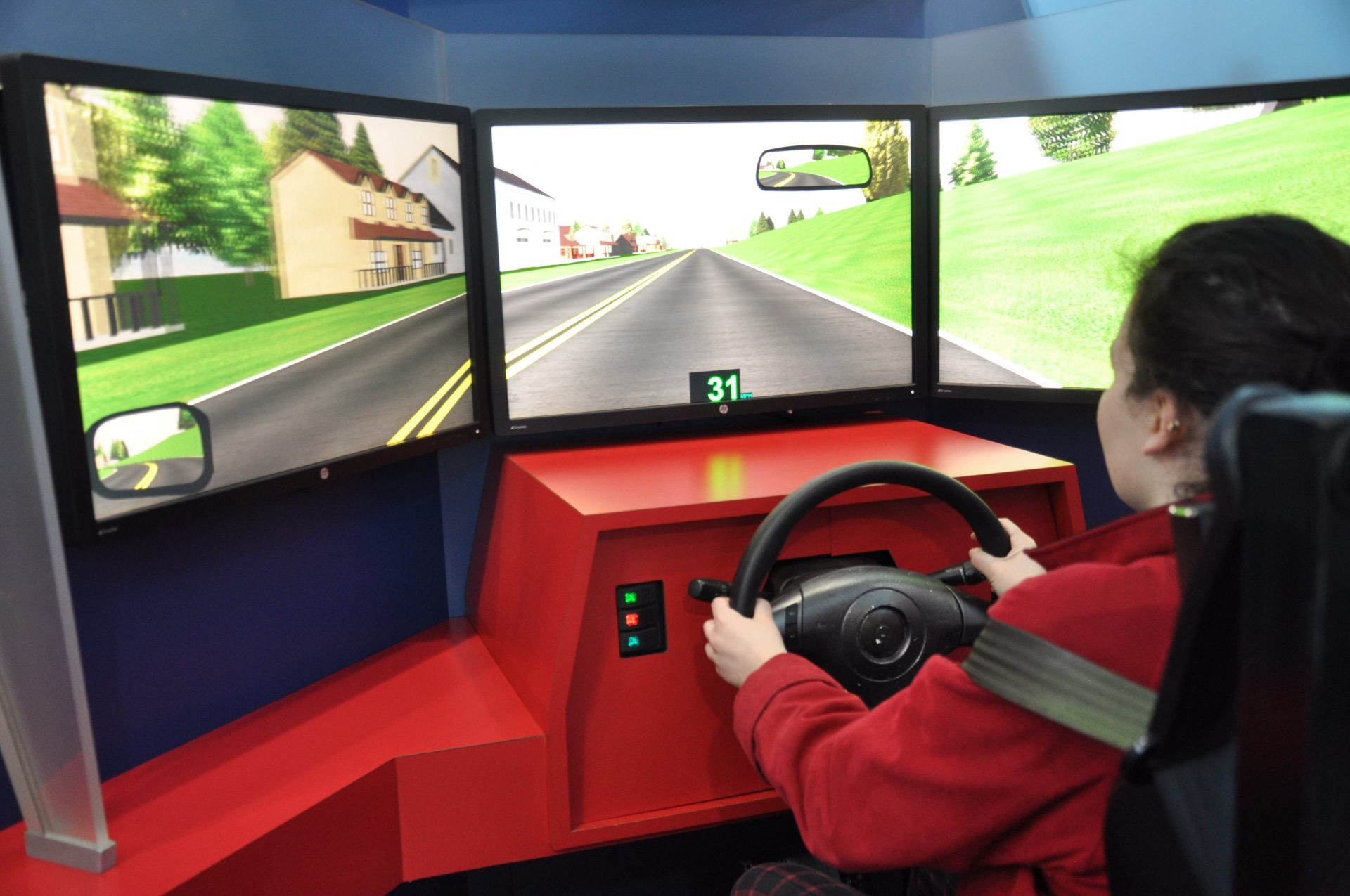 Student driving in Distractology simulation