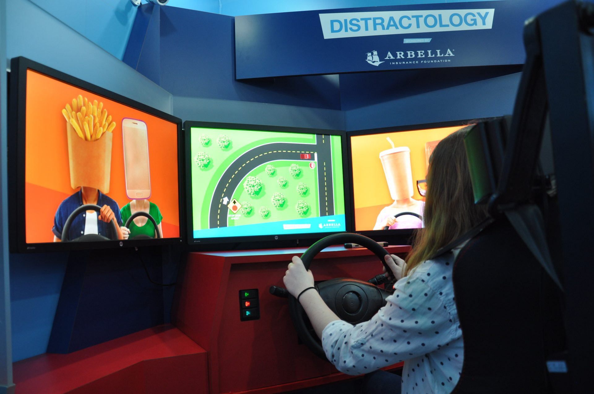 Distractology simulation explaining why participant crashed