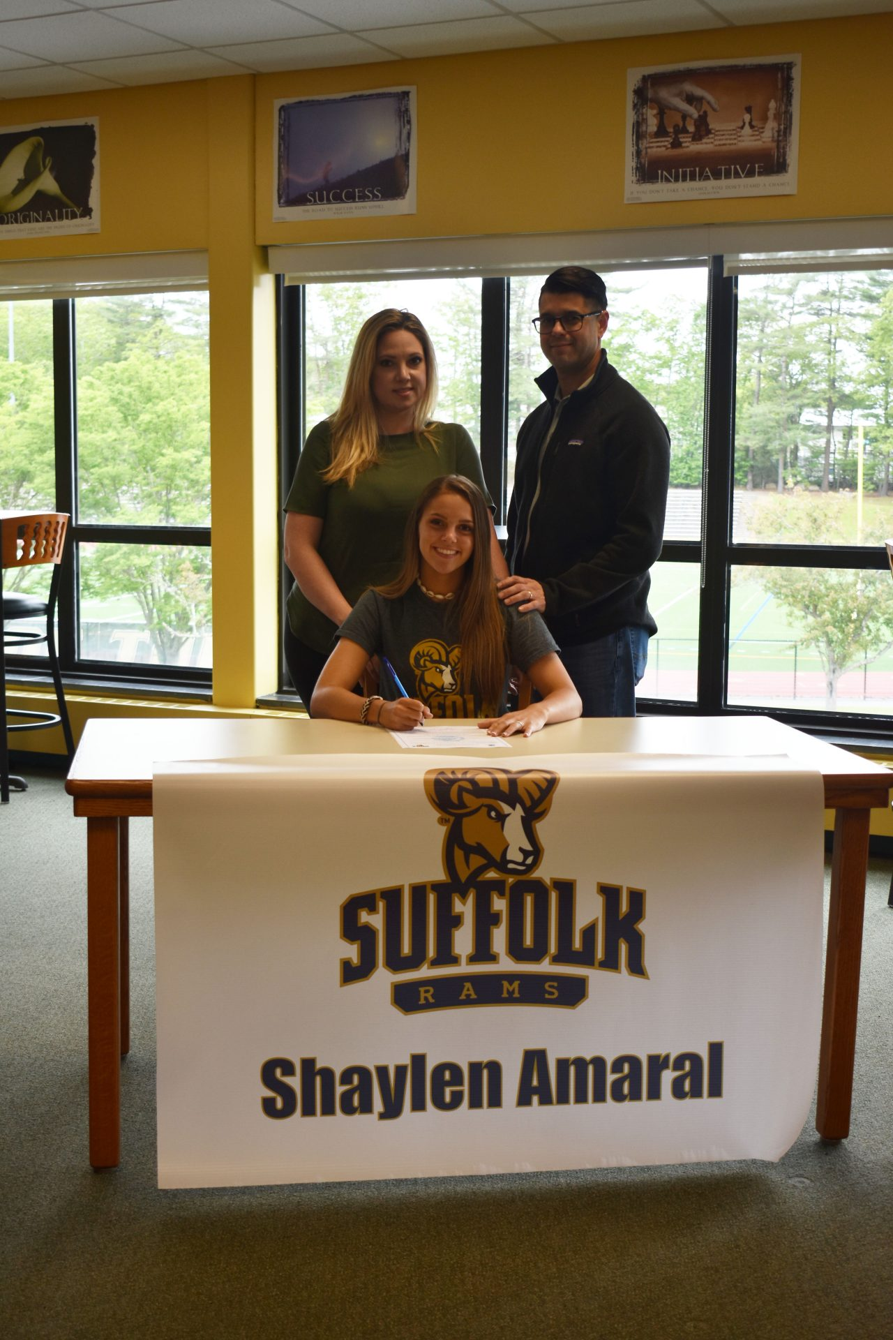 Shaylen Athletic Signing with parents