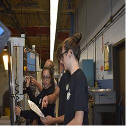 machine technology students working