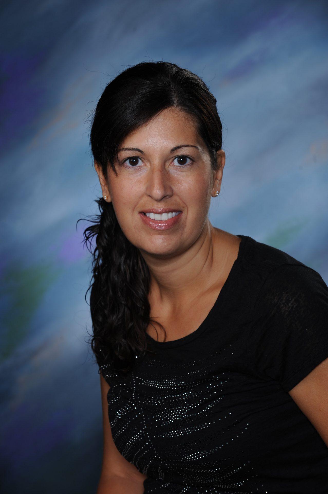 Yearbook photo of Jen Carreiro