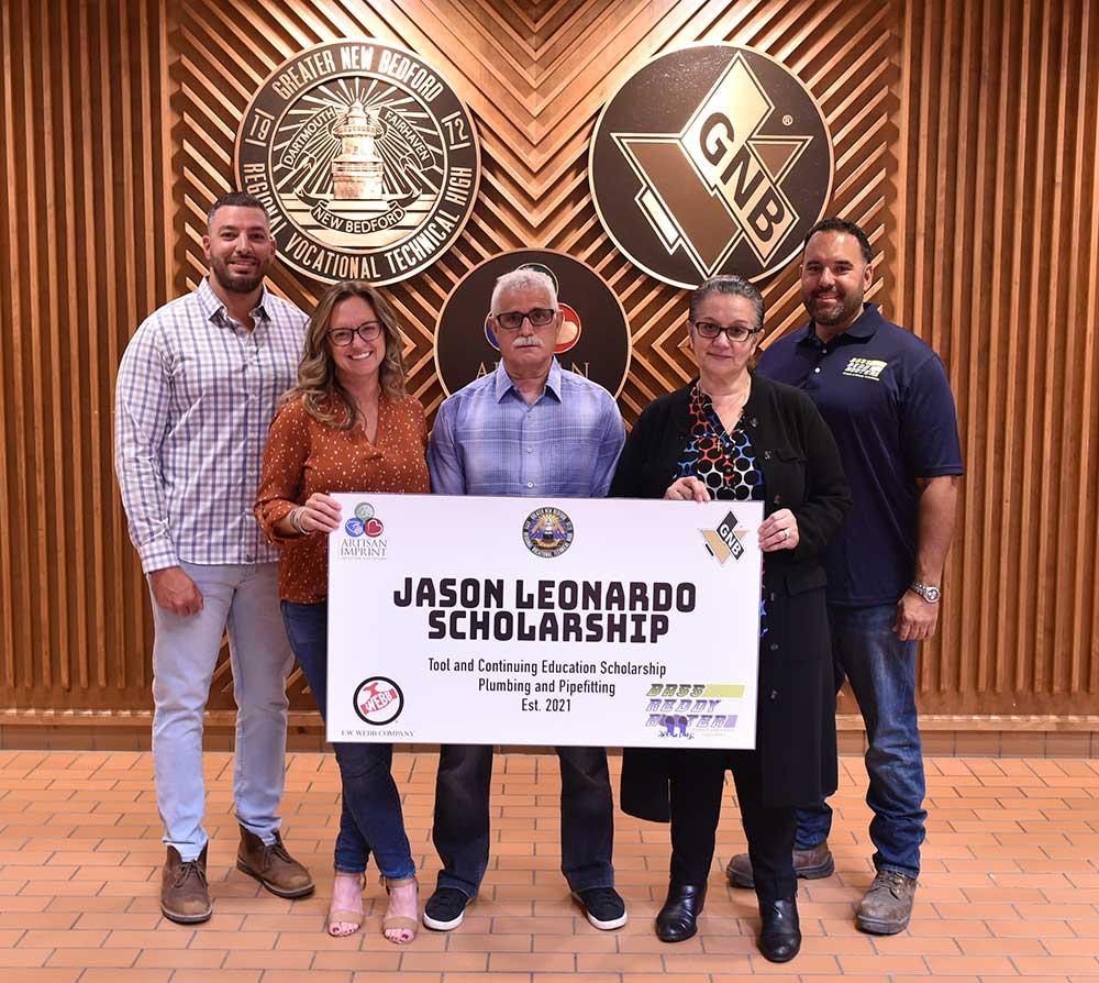 The family of Jason Leondardo for their Scholarship